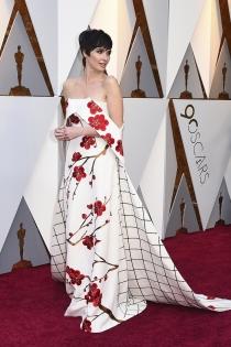 El original vestido de Paz Vega para los Oscars 2018