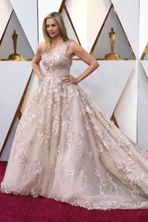 Mira Sorvino, espectacular en la alfombra roja de los Oscars 2018
