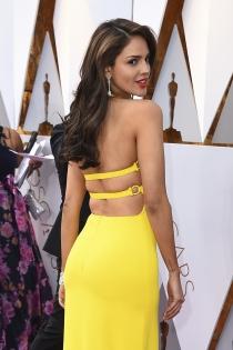 La espalda escotada de Eiza González
