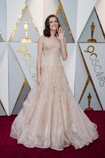 El look impecable de Allison Williams en los Oscars 2018