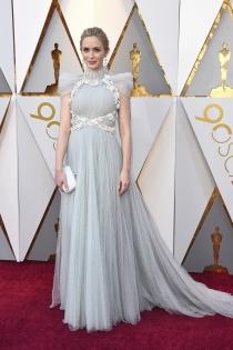 Así se ha vestido Emily Blunt en los Oscars 2018