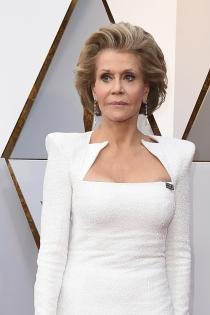 El escote recto de Jane Fonda en los Oscars 2018