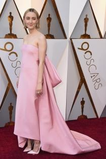 Oscars 2018: El espectacular vestido rosa de Saoirse Ronan