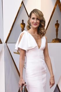 Laura Dern y su melena a un lado en los Oscars 208
