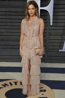 Ashley Tisdale, sencillez en los party de Vanity Fair post Oscars 2018