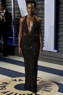 Lupita Nyong'o, impactante en la fiesta post Oscars 2018