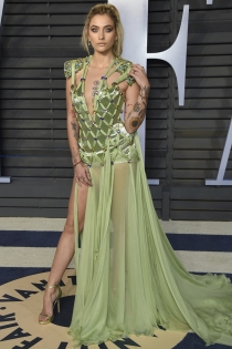 Paris Jackson de las peores vestidas en la fiesta de Vanity Fair