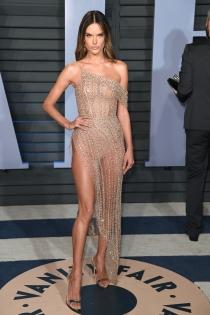 Vanity Fair Oscars 2018: Espectacular Alessandra Ambrosio