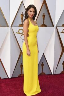 Eiza González y su 'gracioso' vestido amarillo