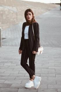 Dulceida y su traje de rayas: simplicidad y estilo