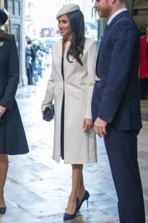 El look de abrigo y tocado más acertado de Meghan Markle