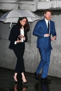 Meghan Markle y el príncipe Harry: amor bajo la lluvia