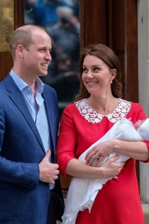 Kate Middleton y el príncipe Guillermo presentan a su nuevo hijo