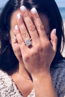 El enorme anillo de Lea Michele para anunciar que se casa