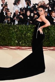El vestido negro de Kylie Jenner para la Gala Met 2018