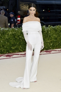 Kendall Jenner de blanco impoluto para la Gala Met 2018
