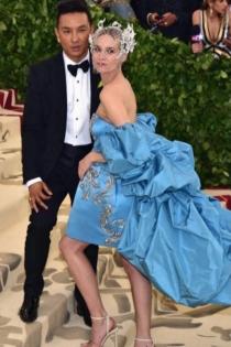 El vestido de Diane Kruger, de azul cielo y con cola excesiva