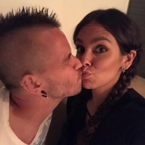 Cristina Pedroche y David Muñoz dedican un besito a sus seguidores