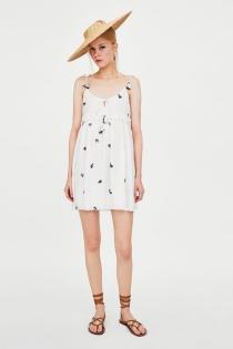 El vestido de ZARA ideal para este verano