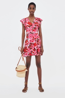 ZARA llena tu verano de flores con este vestido