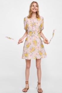 ZARA: El vestido de verano que favorece a todo el mundo