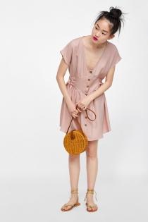 El bolso redondo de moda también está en ZARA
