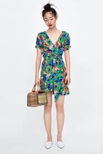 Aquí tienes el vestido de ZARA perfecto para este verano