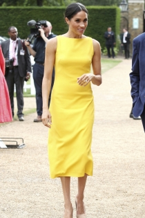El vestido amarillo de Meghan Markle que todo el mundo quiere