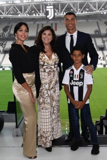 Georgina ha acompañado a Cristiano Ronaldo a Turín