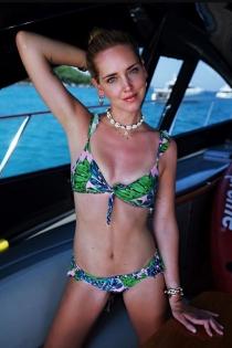 Apuesta por el bikini floreado como Chiara Ferragni