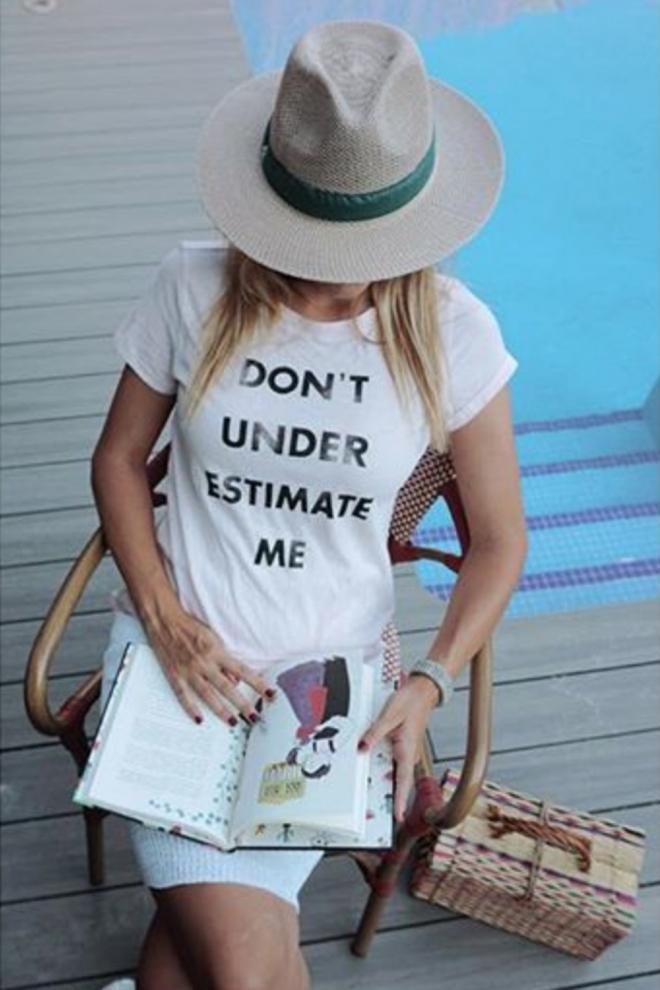 No subestimes a Alba Carrillo: el mensaje de su camiseta