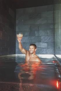 La polémica foto de Pablo Alborán desnudo: ¿enseña más de lo que querría?