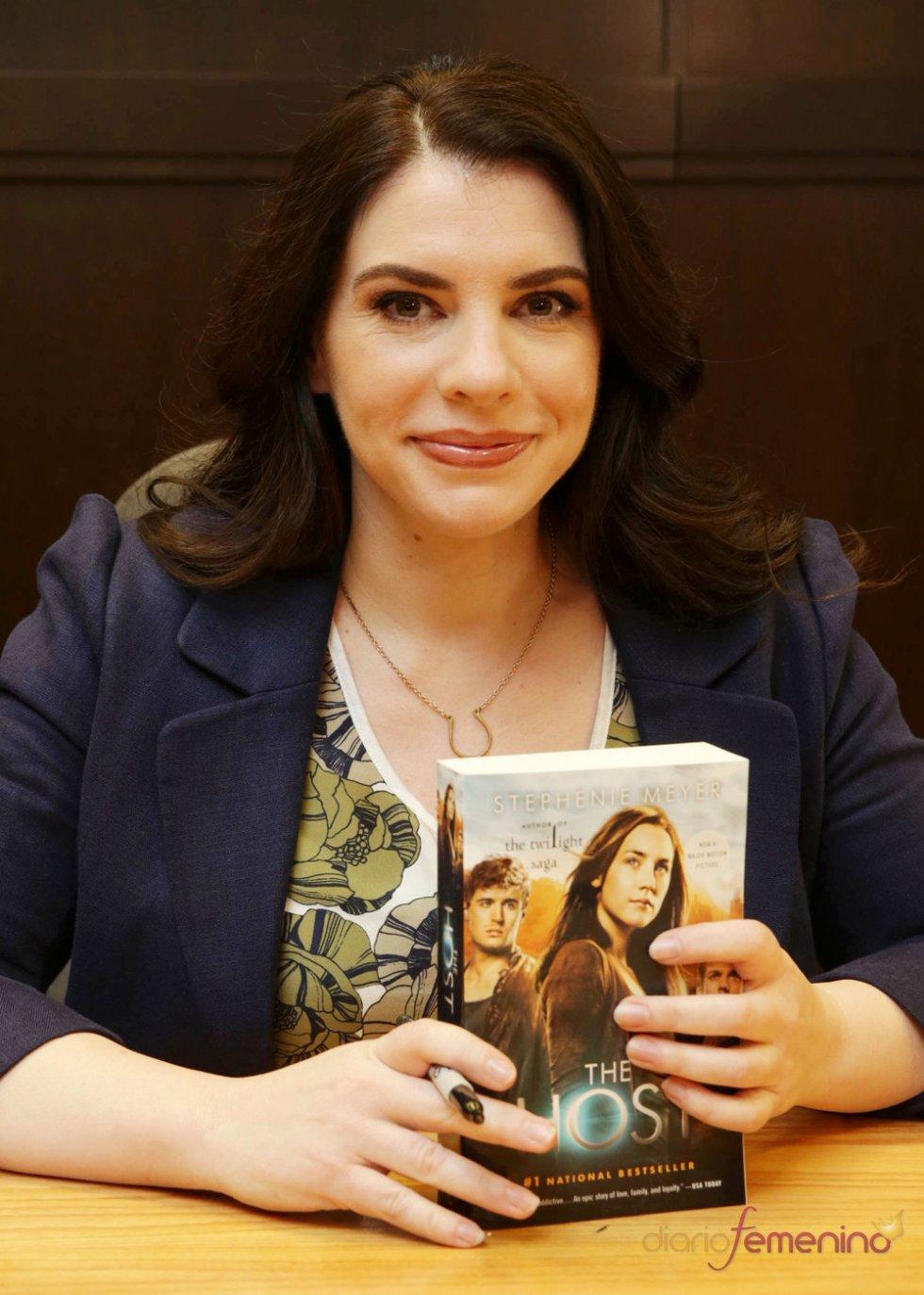 La fiebre de Stephenie Meyer vuelve con 'The Host' (La huésped)