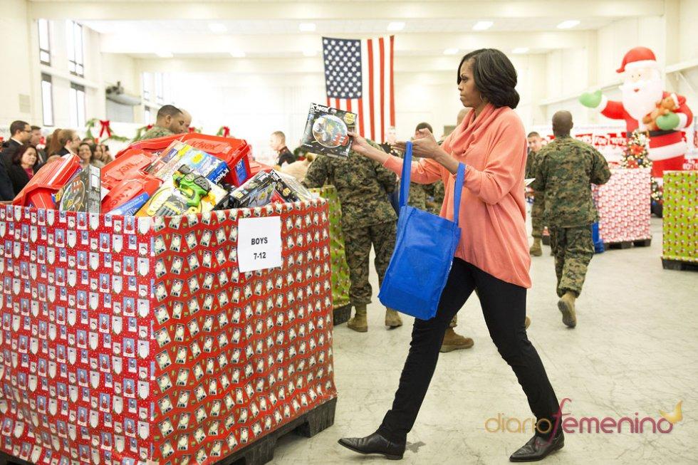 Michelle Obama, elegante para ir a la compra