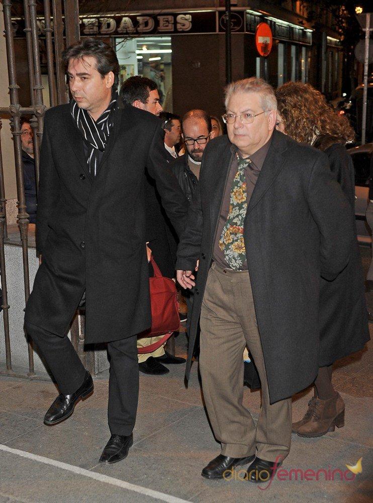 Lluis Asunción en el funeral de su hermano Pepe Sancho en Madrid