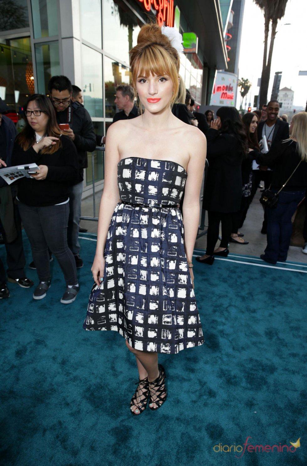Bella Thorne en el estreno de 'The Host' en Los Ángeles