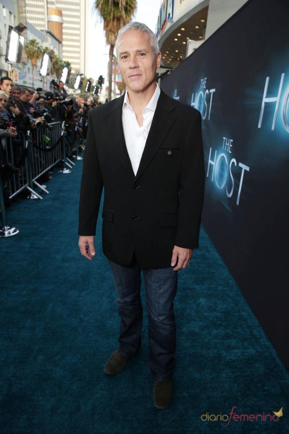Phil Austin en el estreno de 'The Host' en Los Ángeles