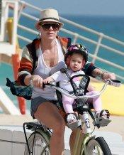 P!nk y su hija Willow dando un paseo en bici por Miami