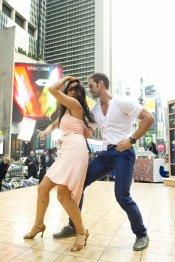 Las dotes de bailarín de William Levy
