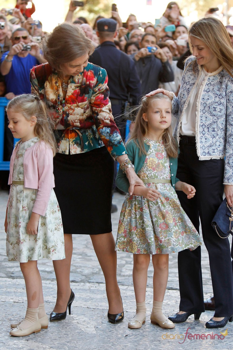 La Reina Sofía con la Infanta Leonor, en la Pascua de Semana Santa 2013