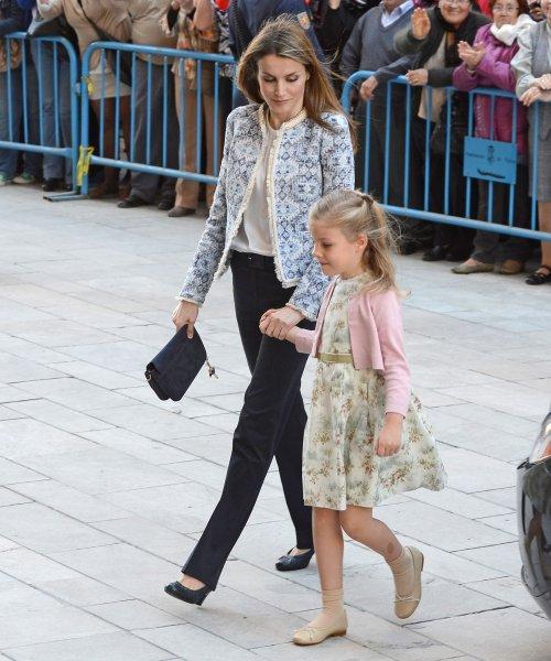 Letizia y la Infanta Leonor, en la Pascua de la Semana Santa 2013