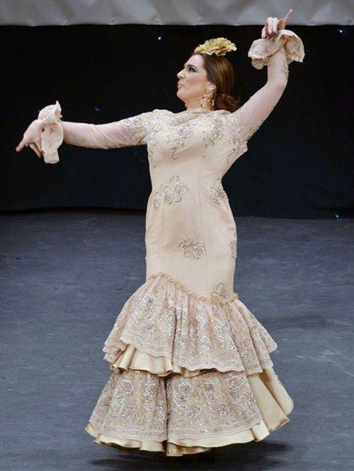 Los looks de las famosas en la Feria de Abril: Raquel Bollo