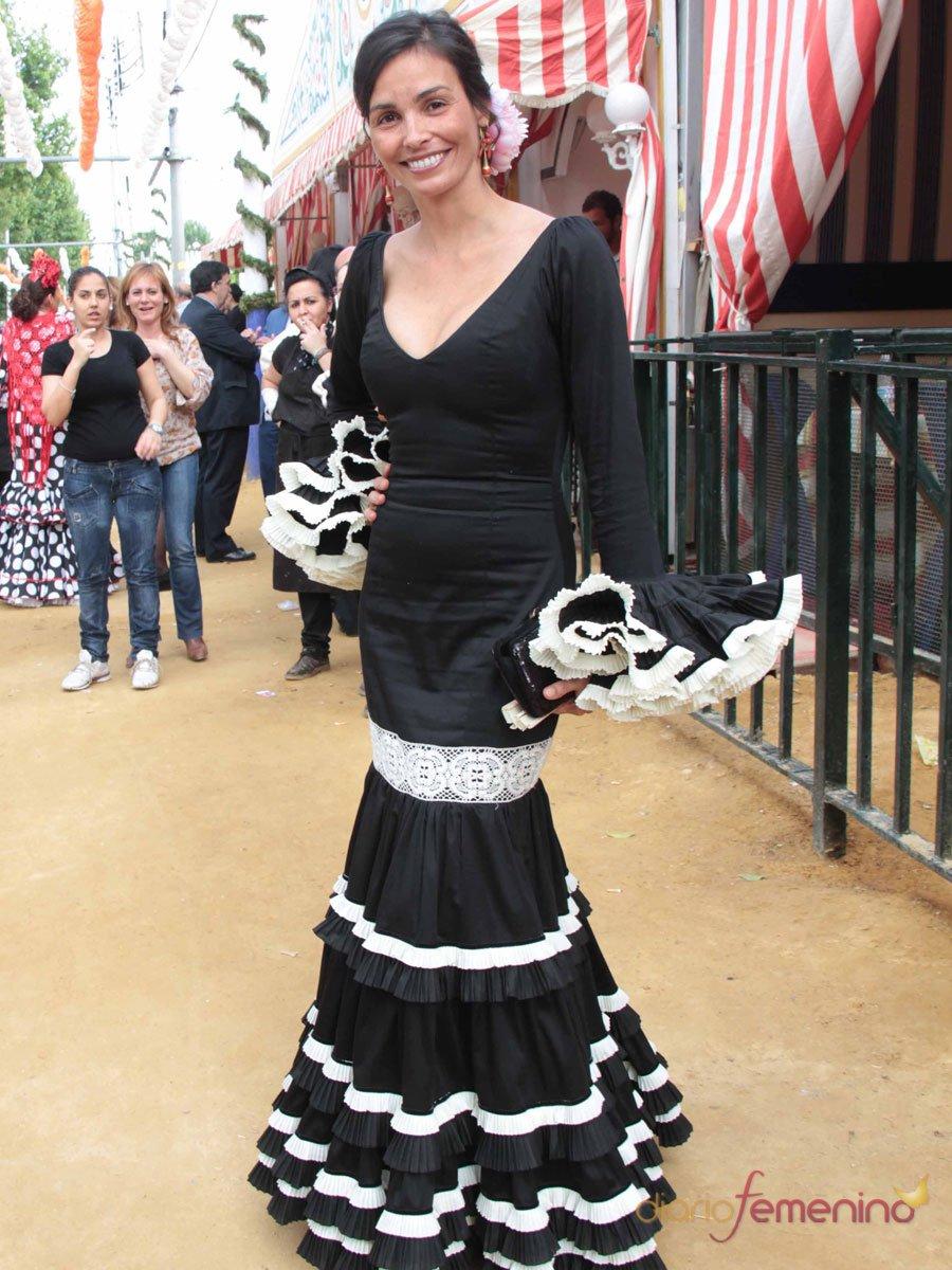 Los looks de las famosas en la Feria de Abril: Inés Sastre