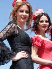 Looks de famosas en la Feria de Abril: María José Suárez y Elizabeth Reyes