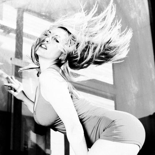 Daniela Blume, más que sexy en con sus fotos en blanco y negro