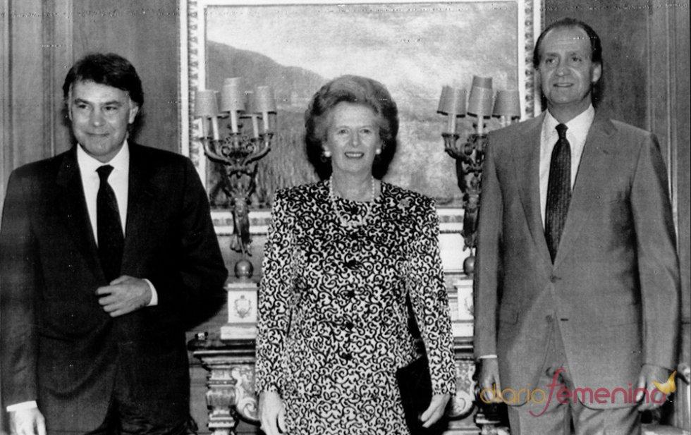 Margaret Thatcher junto a Felipe González y el Rey Don Juan Carlos I