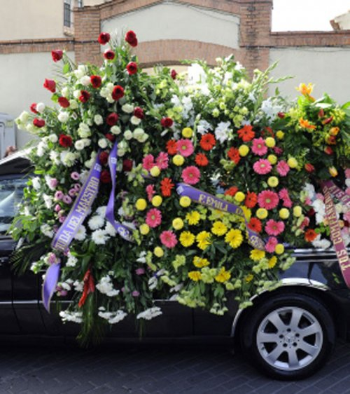 Un mar de flores para Sara Montiel en su funeral
