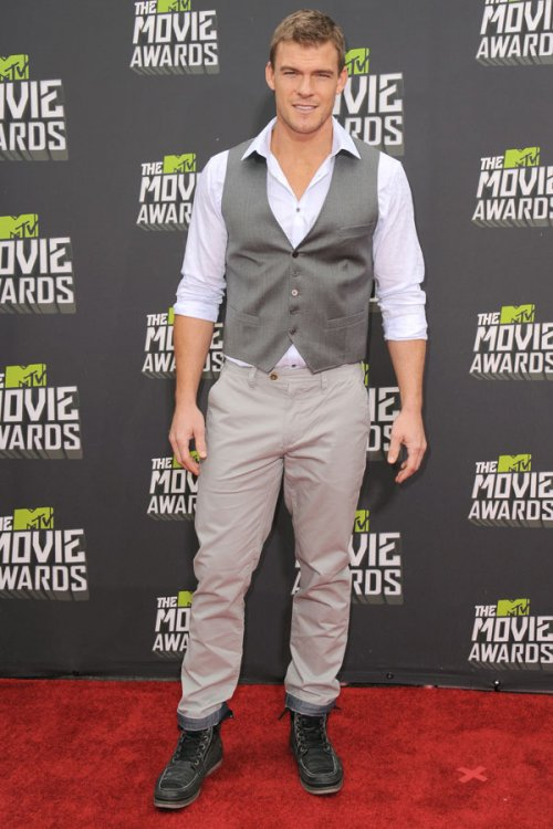 Alan Ritchson en los MTV Movie Awards 2013