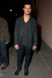 Taylor Lautner en los MTV Movie Awards 2013