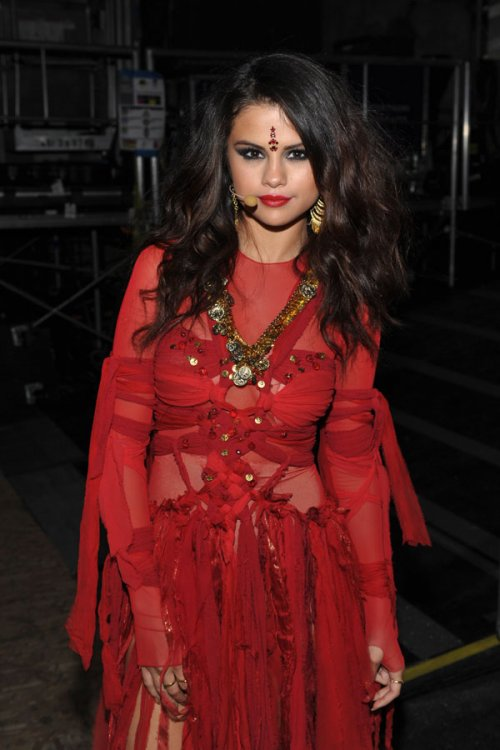 Selena Gomez, nuevo single en los MTV Movie Awards